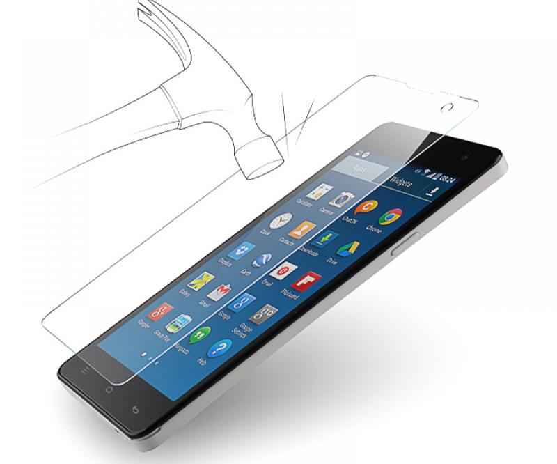 Наклеить стекло на смартфон